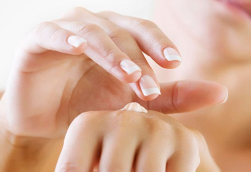 bí quyết để da tay không bị nhăn nheo