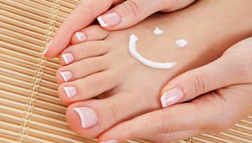 chăm sóc da bị chai chân chai tay