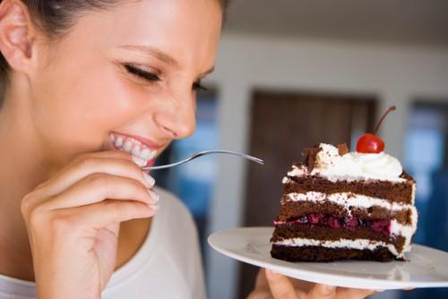 đồ ngọt ảnh hưởng nghiêm trọng đến nhan sắc
