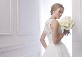Mẫu váy cưới cầu kỳ đến từng chi tiết