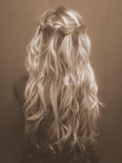 Những kiểu tóc ấn tượng mùa hè 2013