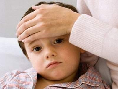 Cách sơ cứu khi có vật lạ trong mắt trẻ