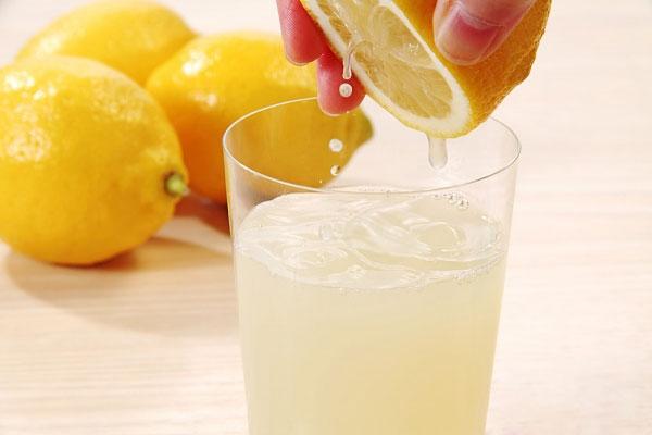 Những đồ uống giúp tránh tăng cân sau những bữa tiệc
