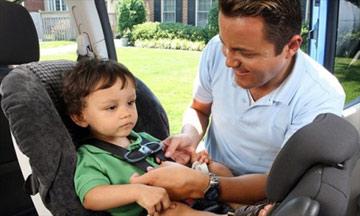 Bạn đã dùng ghế cho trẻ trên ôtô đúng cách?