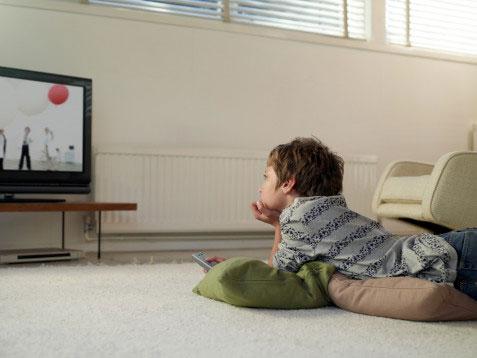 Cách giúp trẻ bớt xem ti vi, chơi game