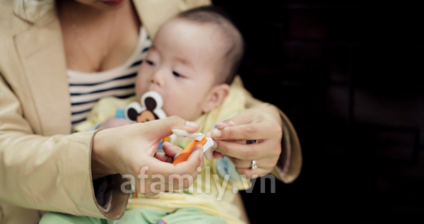 Hướng dẫn mẹ cách bấm móng tay cho bé