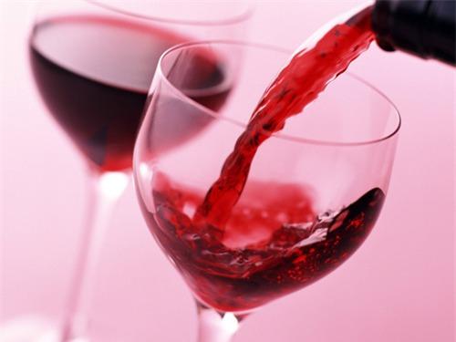 Trẻ lâu nhờ…rượu vang