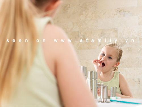 Cách giúp cha mẹ đối phó với quá trình rụng răng ở trẻ