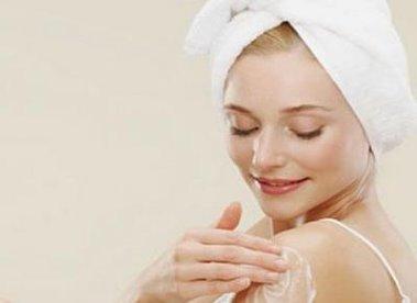 Hướng dẫn cách chăm sóc da khi giao mùa